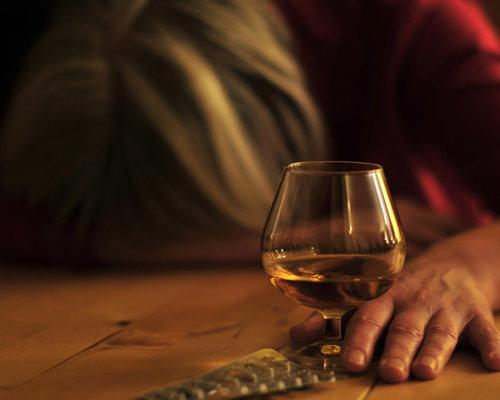 Bild zum Artikel Jeder 12. Todesfall alkoholbedingt