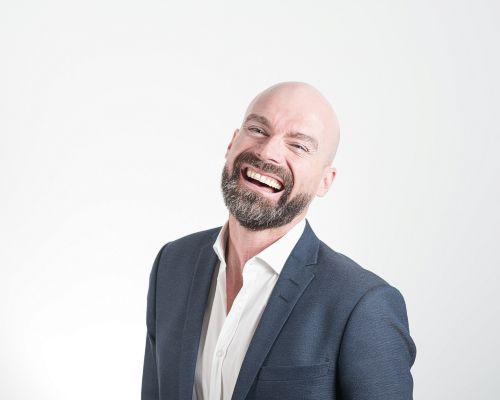 Bild zum Artikel Forschung bestätigt: Lachen ist die beste Medizin
