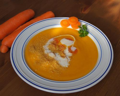 Bild zum Rezept Cremige Karottensuppe